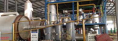 废塑料炼油设备,废轮胎炼油设备,油泥油砂炼油设备,大一机电.jpg