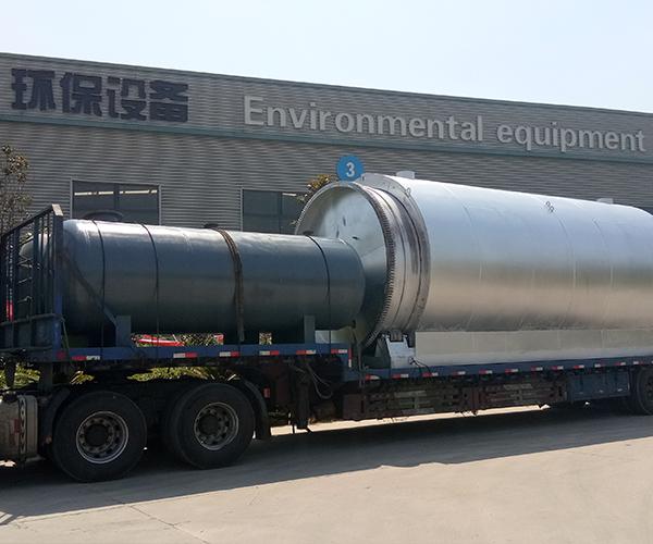 山东枣庄废塑料炼油设备客户发货