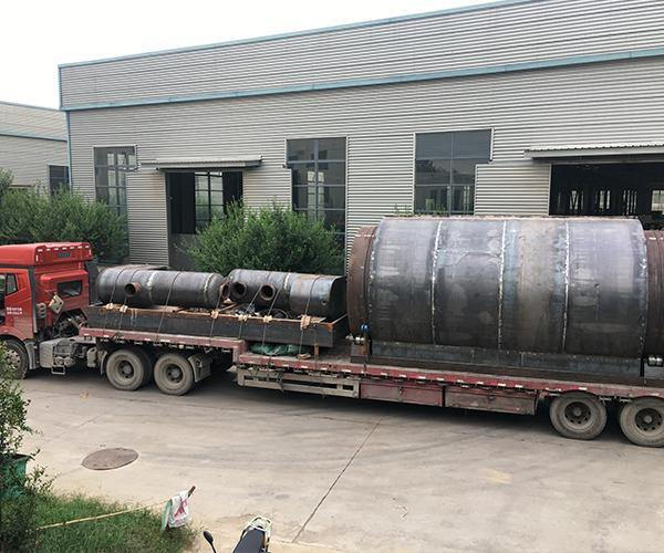 内蒙古客户炼油设备发货